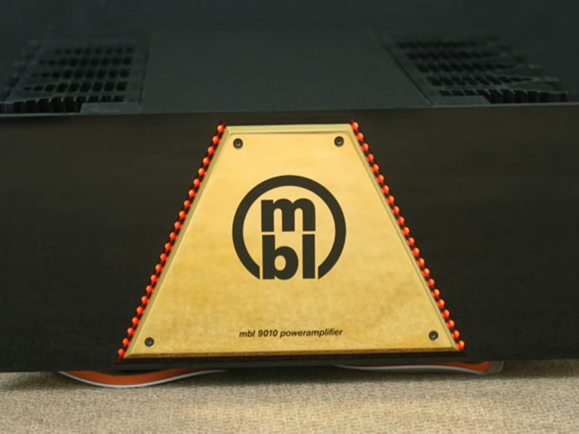 MBL 9010 STEREO BRIDGEABLE AMPLIFIER
