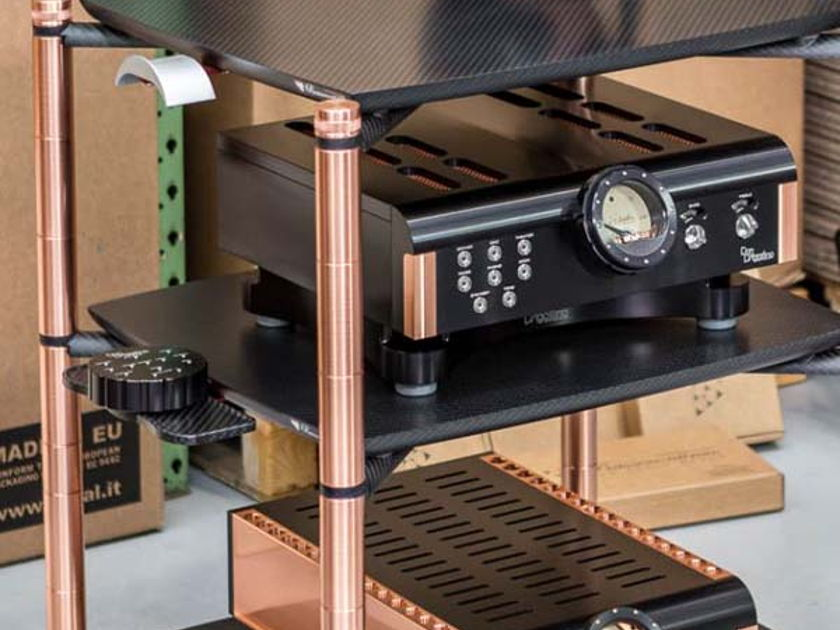 BASSOCONTINUO Racks -  Custom High Performance Racks to Match Your Gear! From Audio Revelation