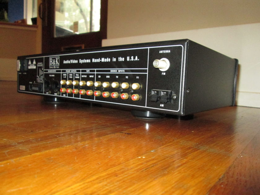 B&K Components Reference 5 s2 Pre-amplifier