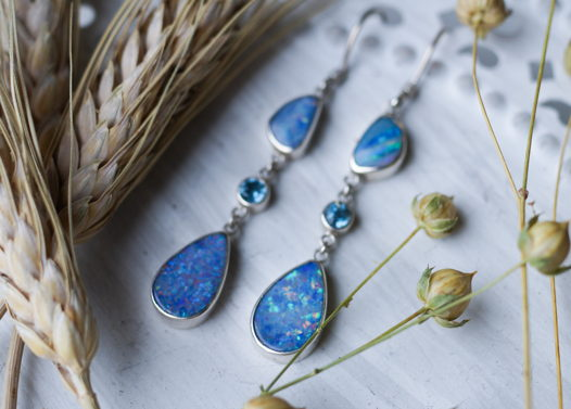 Длинные серьги с голубым опалом и топазом, серебро 925