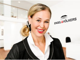 real-estate-agent-inga-reinhold-engelvoelkers-elbe