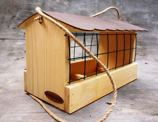 """Деревянная кормушка для птиц """"Комфорт"""" с сеткой против голубей и крупных птиц"""