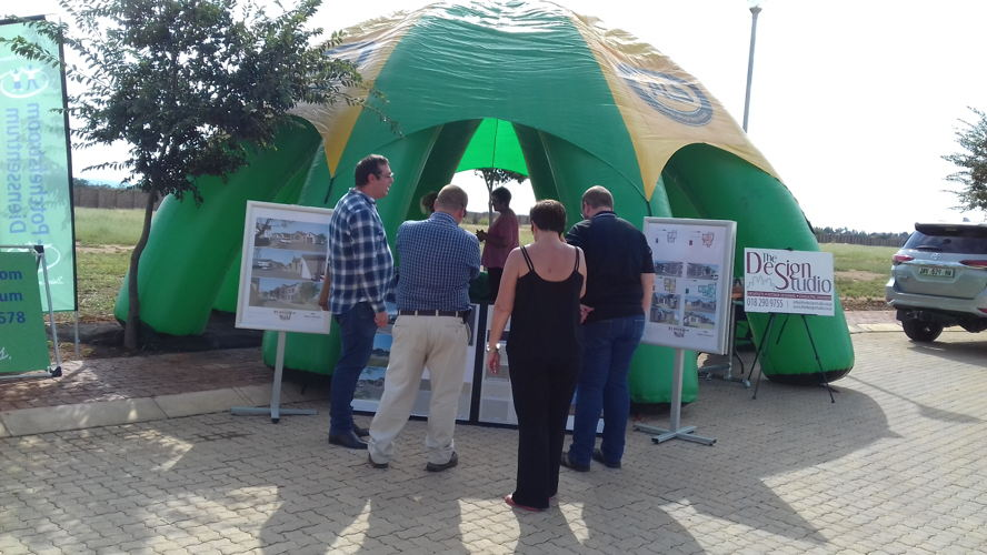 Potchefstroom - Developers, architects and contractors exhibited at the de Land Estate Information Day on 7 March 2018.