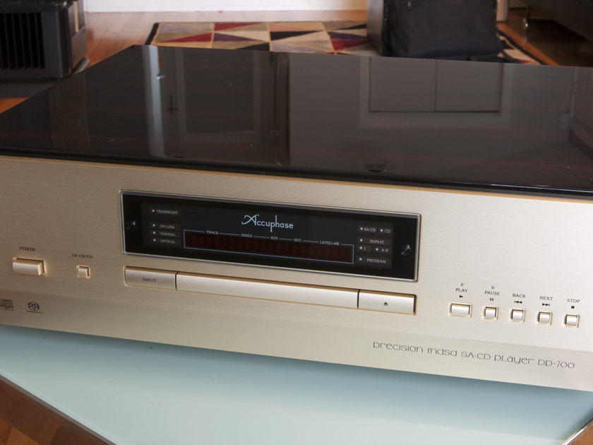 Accuphase DP-700 CD/SACD Player