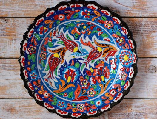 Голубое керамическое блюдо