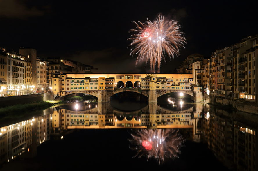 Florence - Fireworks_over_Ponte_Vecchio.jpg