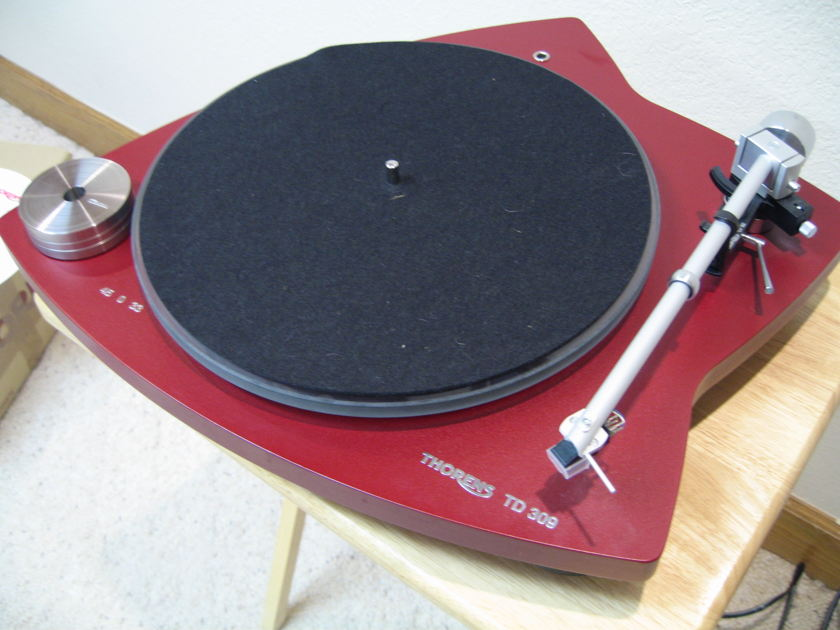 Thorens TD-309 Tri Balanced Turntable