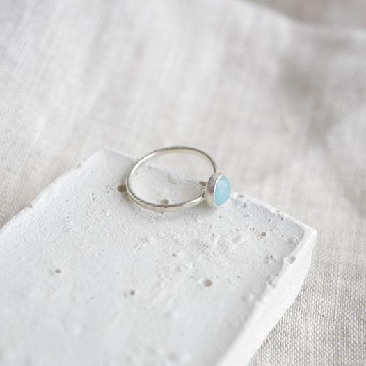 Кольцо из серебра с камнем. Голубой нефрит