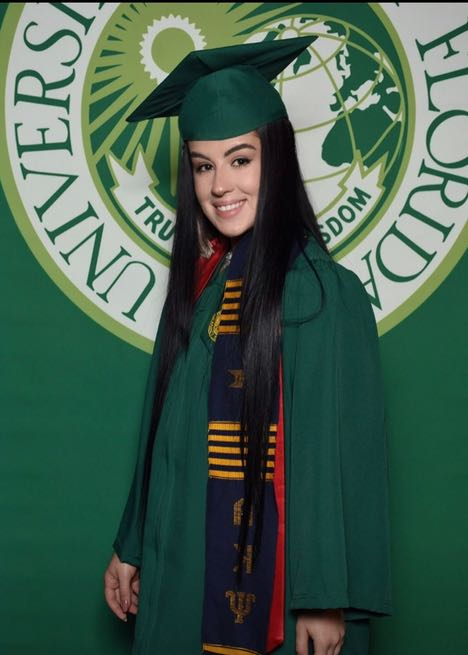 RENTERS BAY: USF Graduation cap and gown (undergad)