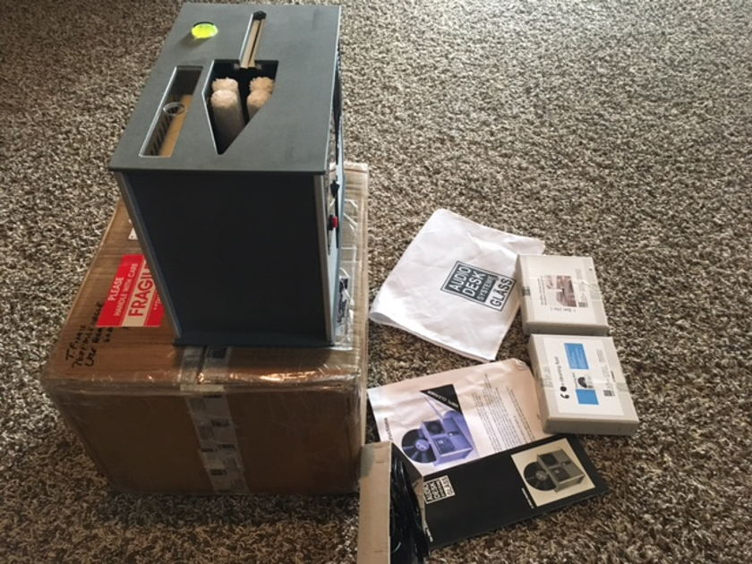 Audio Desk Vinyl Cleaner Nice ultrasonic vinyl cleaner!!