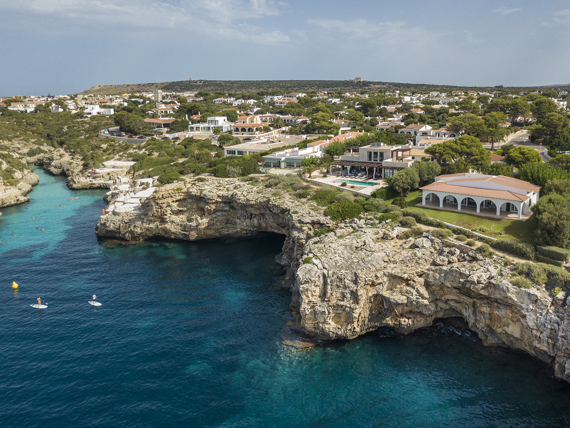 Mahón - Stylish and spectacular - front line villa in Menorca