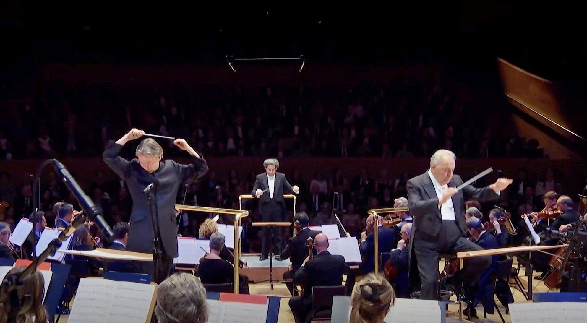 Salonen, Dudamel y Mehta dirigiendo el estreno mundial de Bjarnason