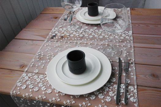 Гипюровая дорожка для сервировки стола
