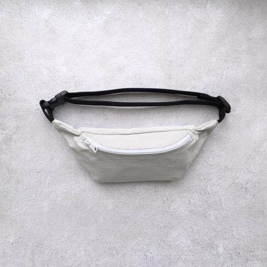 Поясная сумка в серо-белую полоску