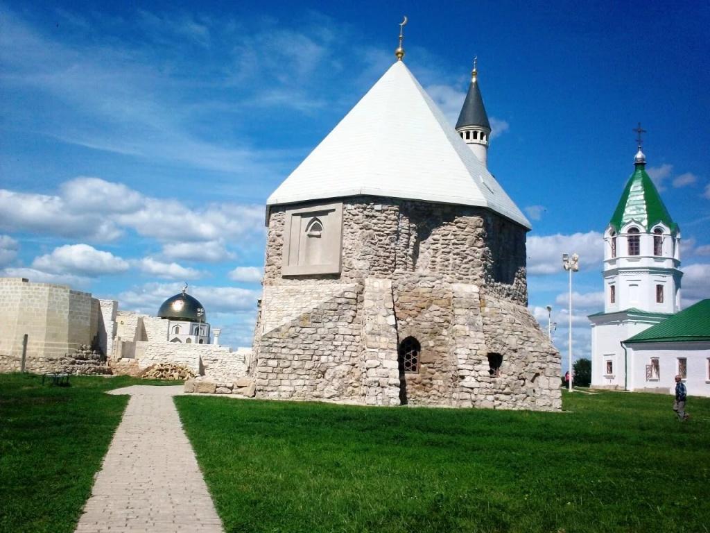 экскурсия вболгар: восточный мавзолей