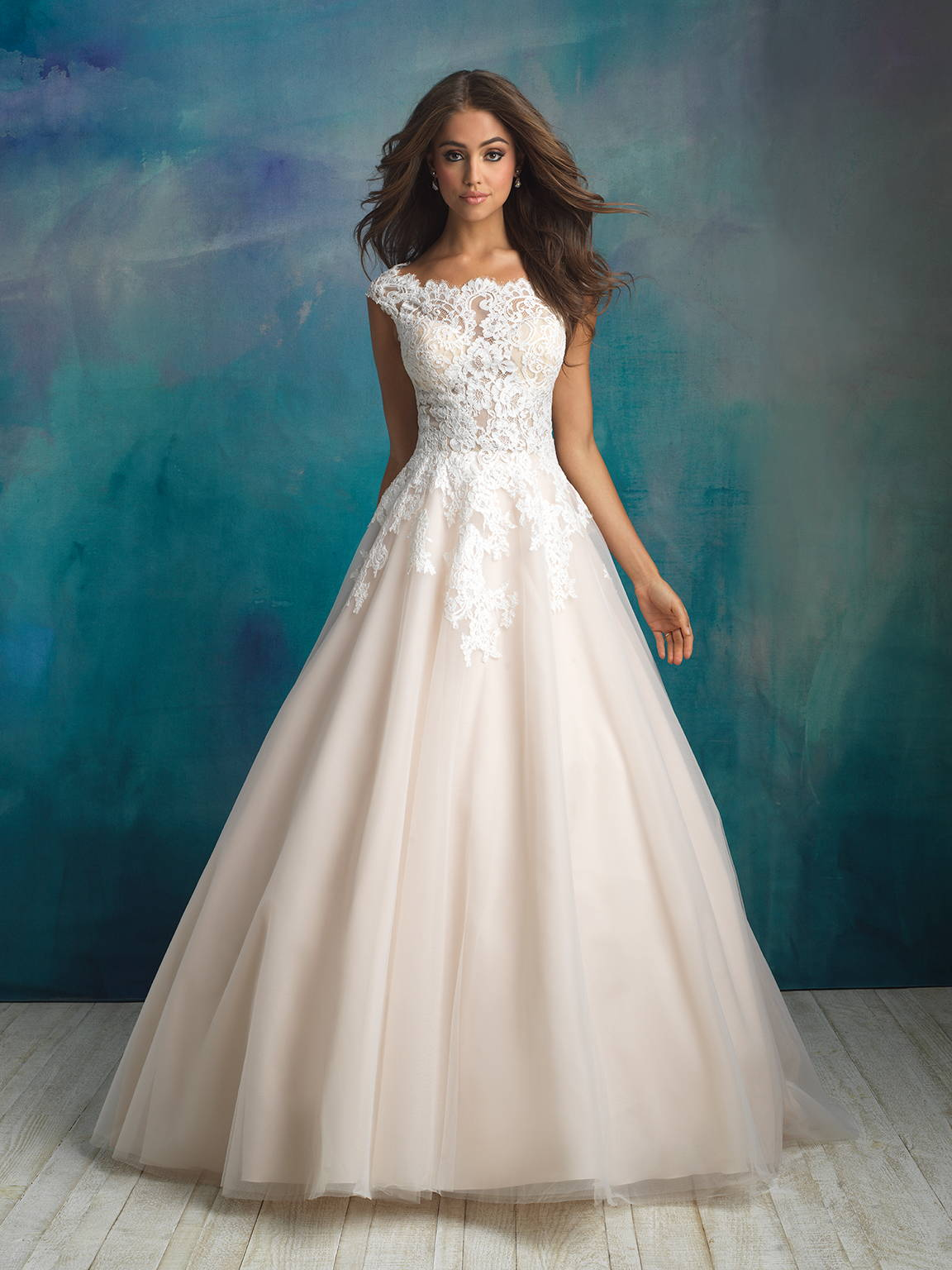 ALLURE  WEDDING DRESS C520