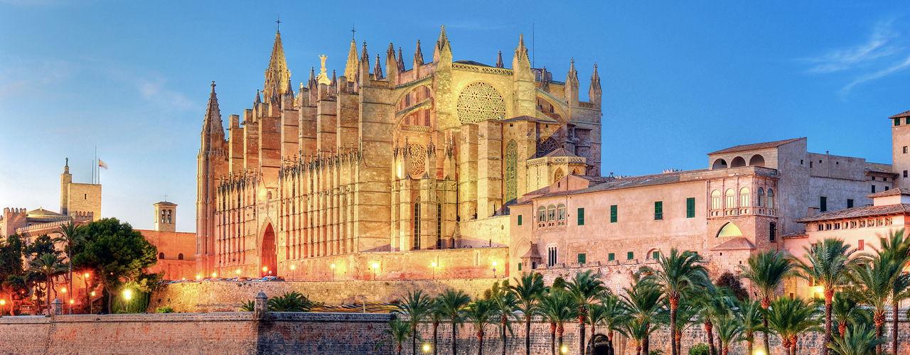 Engel & Völkers - Spain - PalmaPalma Centre & East - https://ucarecdn.com/edf79a99-d77c-4ac7-ba8c-adae48a4154b/-/crop/1280x500/0,0/