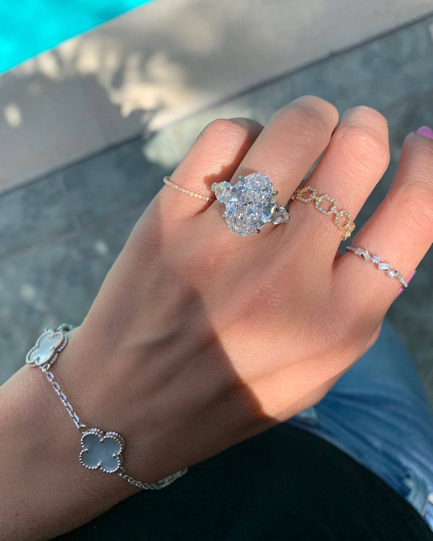 Miss Diamond Ring 7 Carat 8 Carat Oval Diamond Engagement Ring