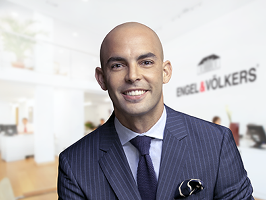 Riccione - The Real Estate Success Story of Luis Gonell