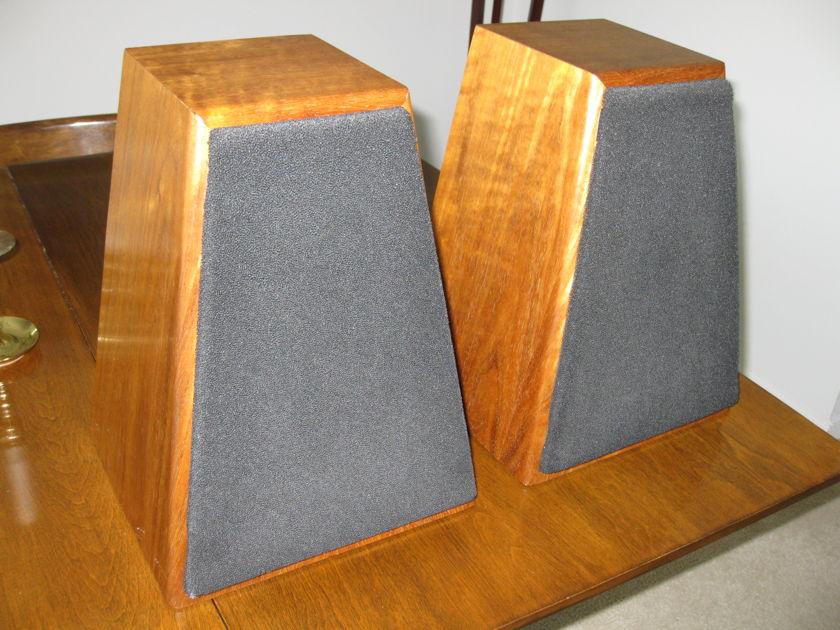FRIED C-2 Stereo speakers