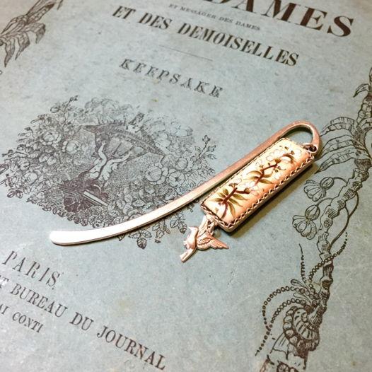 Закладка для книги с серебряным покрытием и эмалью