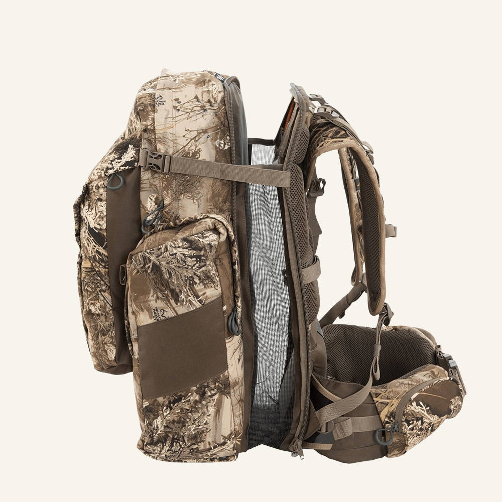 Side view of hunting backpack, meat hauling hunting backpack