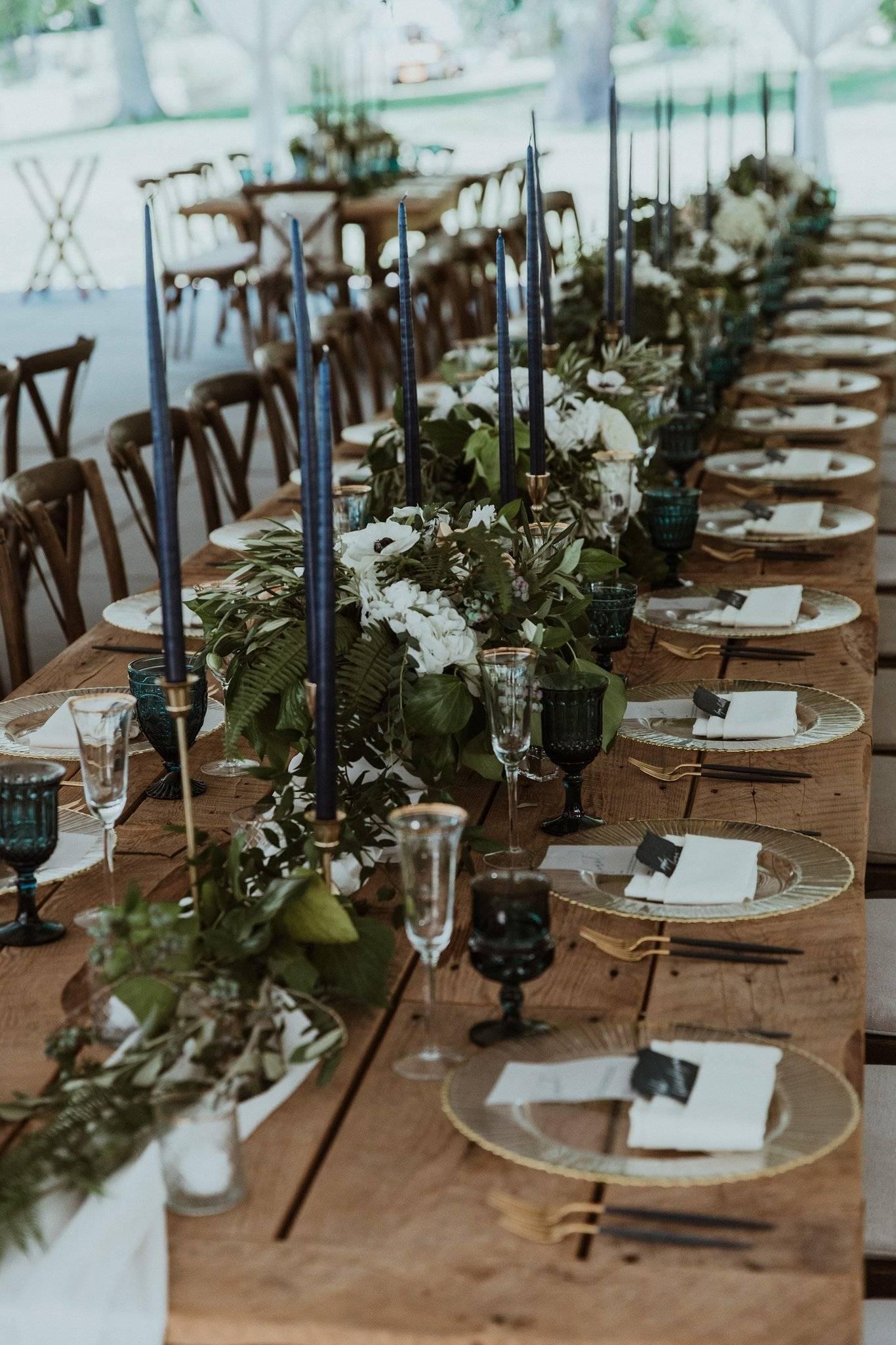 Navy Blue wedding at Inns of Aurora | Fingerlake Wedding Florist