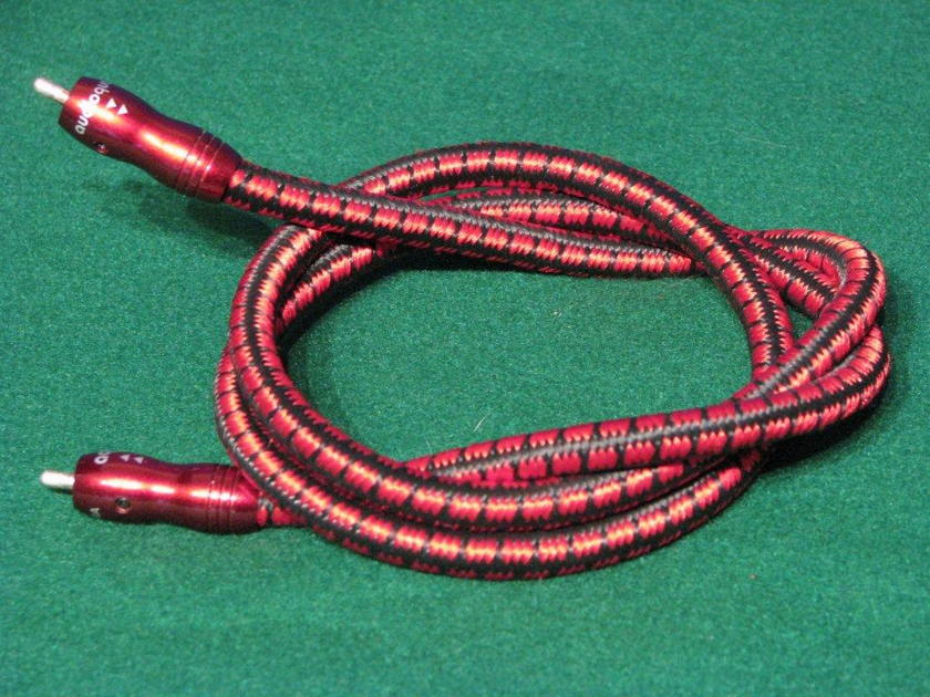 Audioquest King Cobra 1.0 meter RCA SINGLE used cable in excellent condition, high quality cable, Please note, this is a single cable only