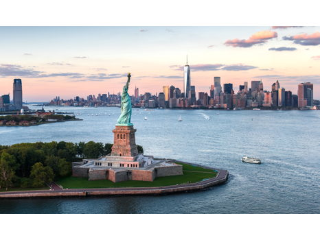 Sail Around the Statue of Liberty in Style!