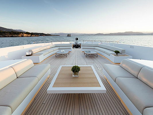 Hondarribia, Spain - Ibiza Magna leads the table of the top 10 most expensive marinas in Europe once again in 2018. This is shown in a current ranking conducted by Engel & Völkers Yachting. The survey data is based on basic fees for a mooring berth for a 55-metre yacht during the 2018 high season in each location. (Image source: Engel & Völkers Yachting)