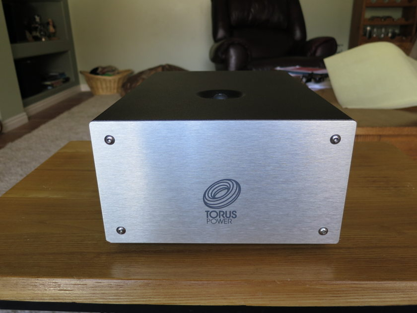 Torus BX5 Power Conditioner Absolutely Mint Demo!