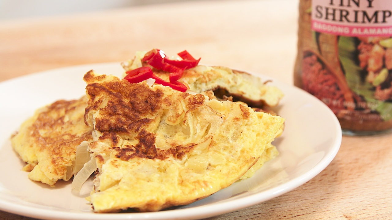 Fried Egg with Fermented Small Shrimps