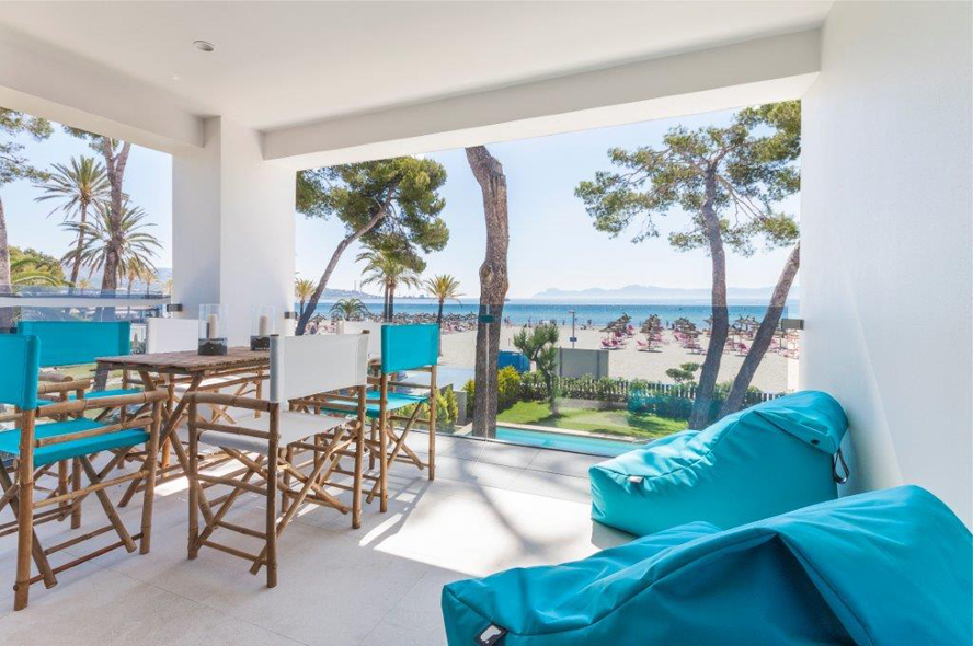 Pollensa - Luxury beach front apartment in Majorca (Puertop Alcudia)