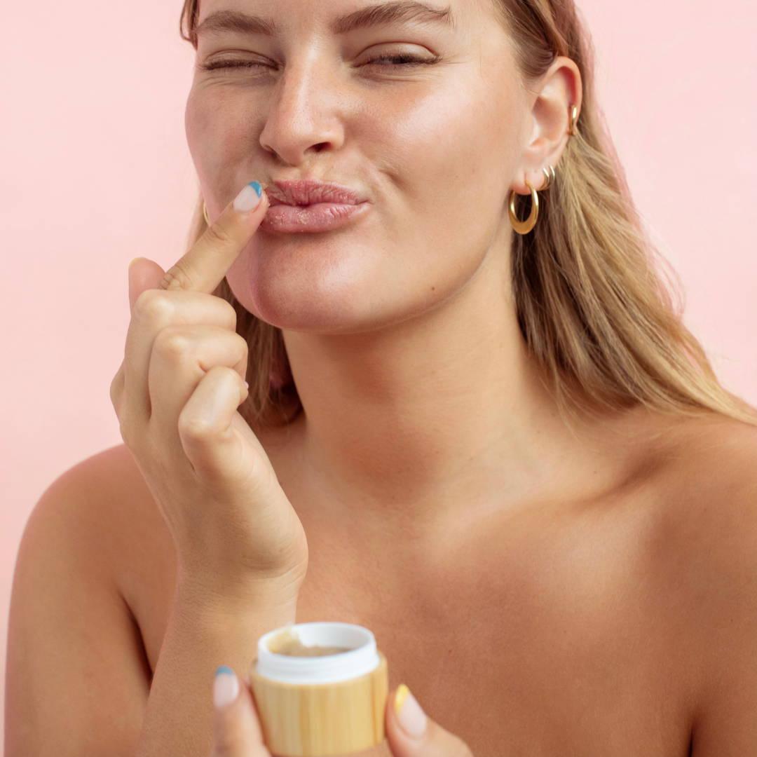 Model applying Lip Exfoliator