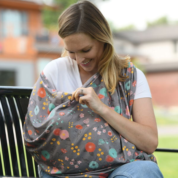 child with nursing privacy cover