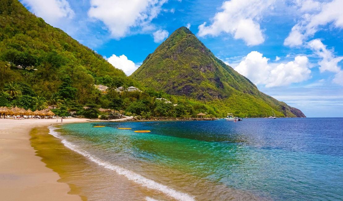 Svatá Lucie pláž Piton