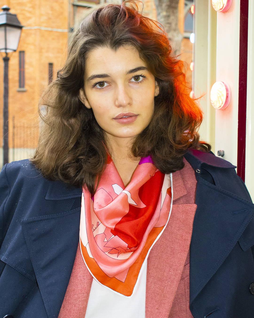 les foulards en soie rouge