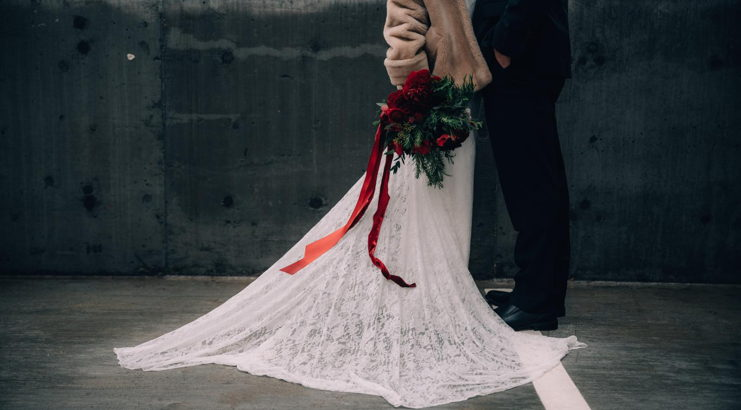 Holiday Wedding How-To
