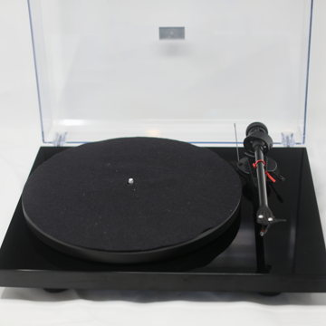 Debut Carbon Black Phono USB Turntable