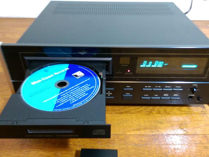 McIntosh MCD7007 CD player with Remote & Box