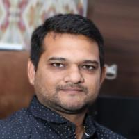 Harikrishna, author for Angular vs React blog