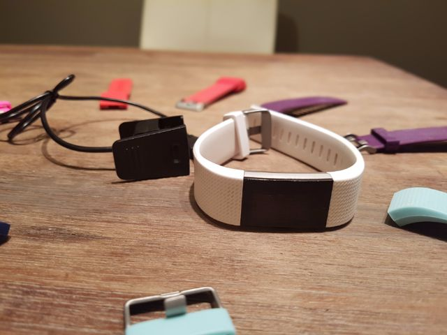 RENTERS BAY: FitBit Charge 2 with colorful straps