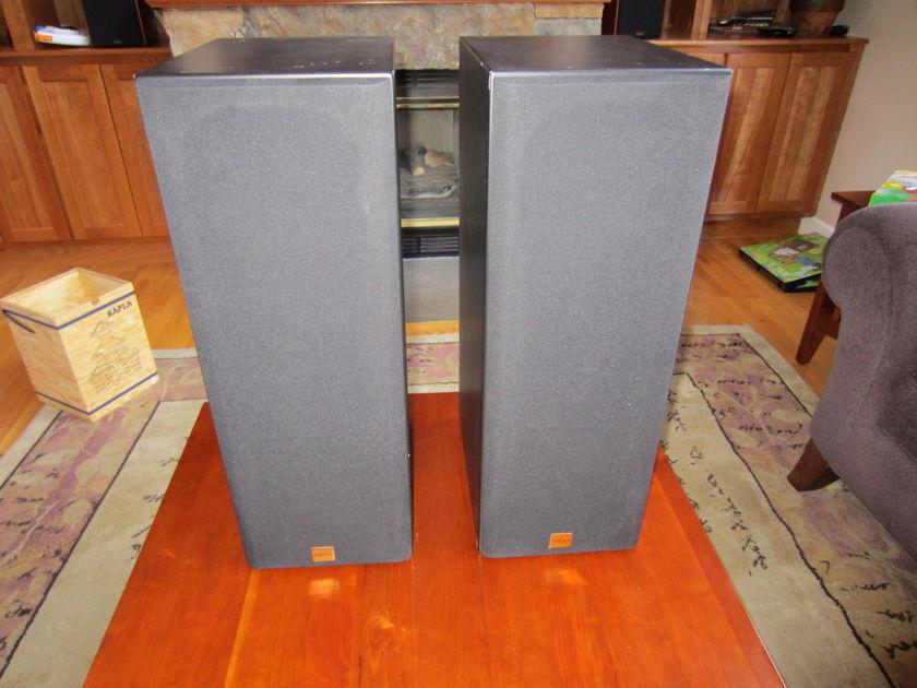 Aerial Acoustics LR3