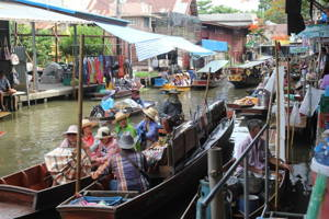 Visit the Famous Floating Market