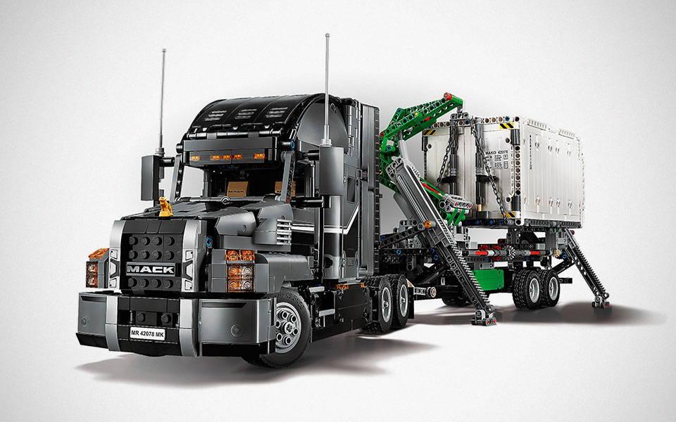 LEGO Technic Mack Anthem Semi Truck