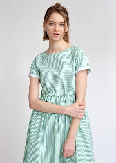 Платье с кулиской в зелено-белую полоску с коротким рукавом