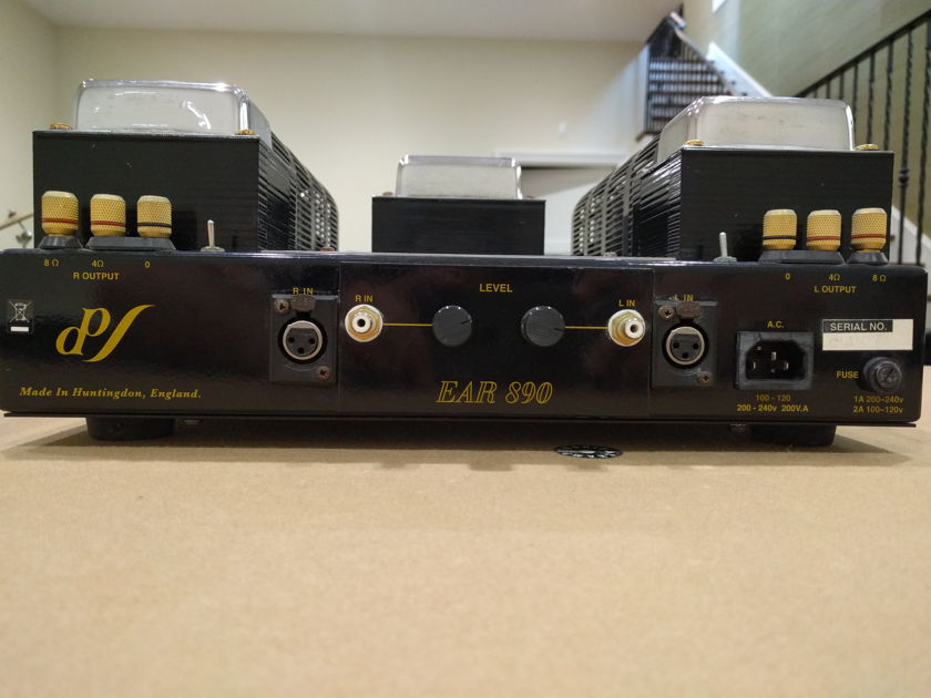 EAR 890 vacume tube stereo amplifier