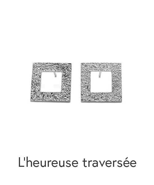 Boucles d'oreilles en argent sterling de forme carré avec le centre à découvert