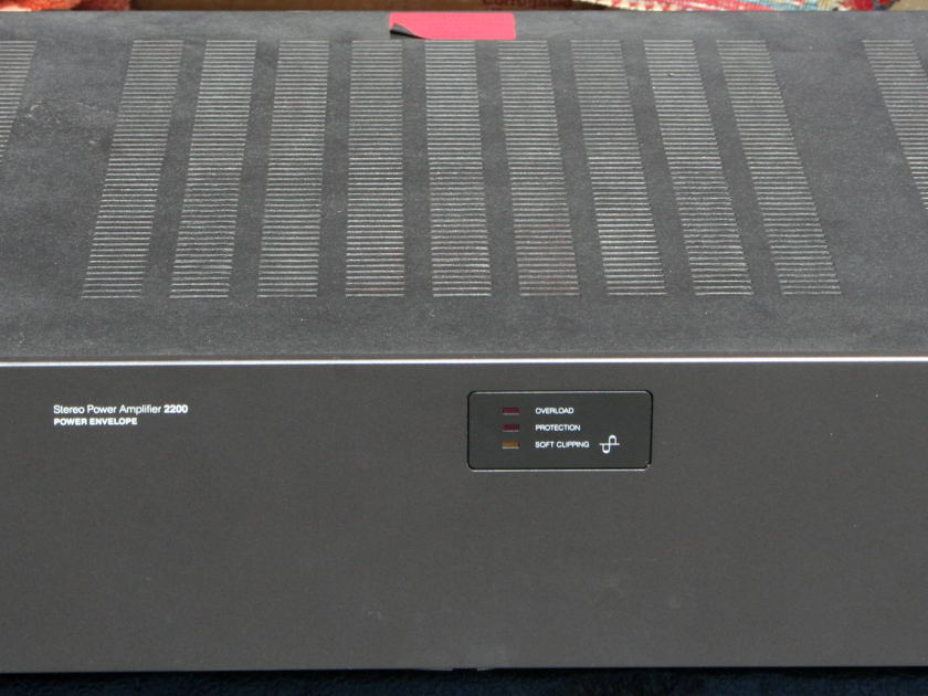 NAD   2200 Power Amp New Relays