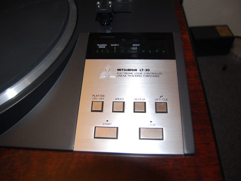 Mitsubishi LT-30 Linear Tracking Turntable
